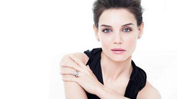 Após divórcio, Katie Holmes diz que quer namorar homens altos