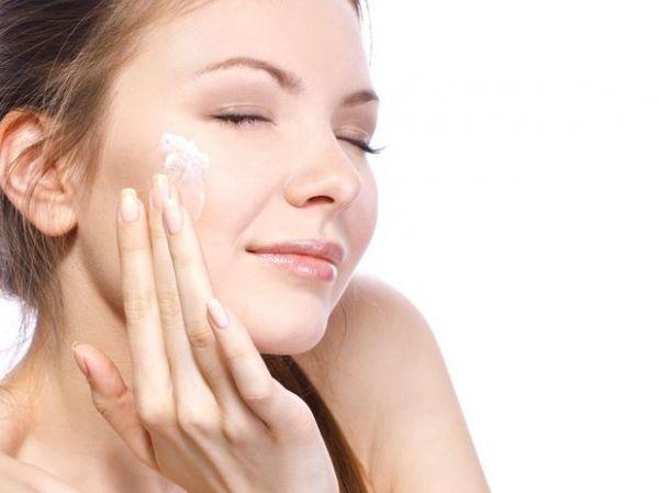 Ritual de beleza noturno deixa pele mais bonita e sem rugas
