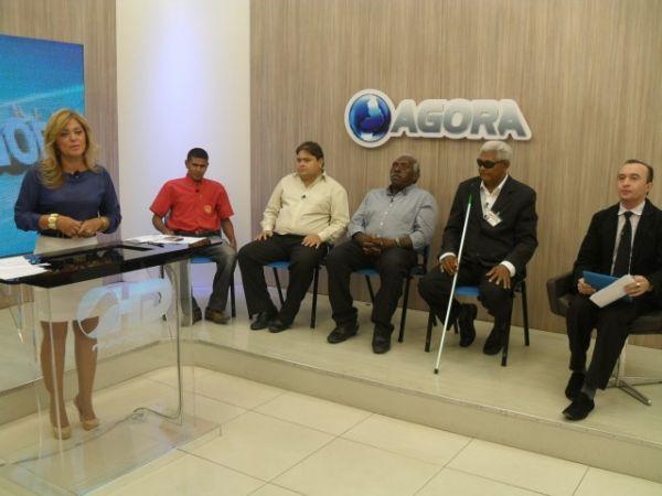 Candidatos a vereador deficientes visuais participam de debate