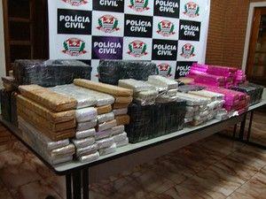Polícia apreende 271 kg de maconha com casal escondidos em sacos de sopa