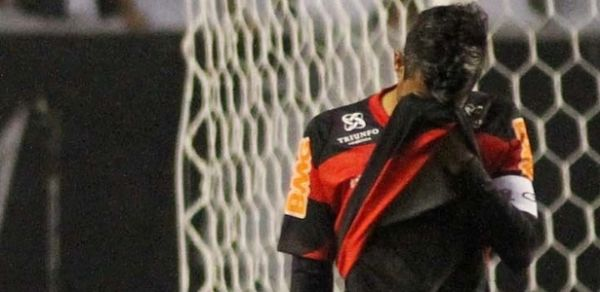 Léo Moura e Ibson perdem status e fazem Fla querer substitutos