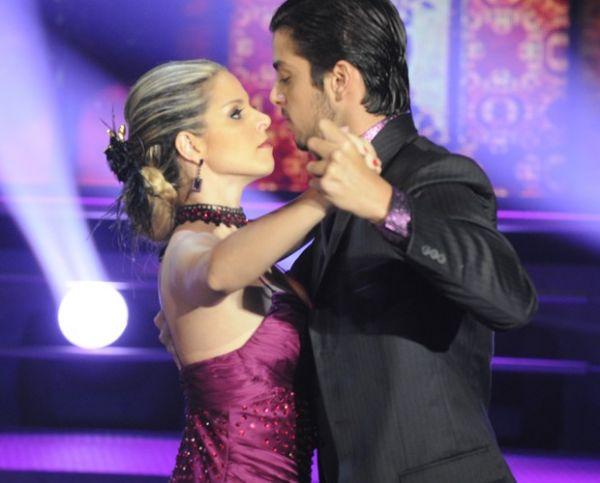 É campeão! Rodrigo Simas é o grande vencedor do Dança dos Famosos 2012