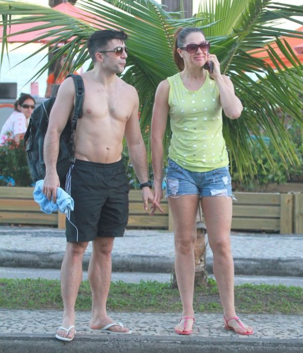 Família de Claudia Raia é contra namoro da atriz