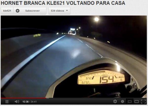 Motoboy ganha fãs e recebe críticas por vídeos com infrações de trânsito