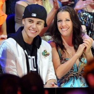 Mãe de Justin Bieber revela que está há 15 anos sem fazer sexo