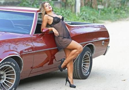Caren Souza faz ensaio sensual e dispara: ?Já tomei muito chifre?