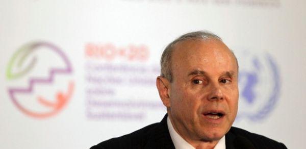 Inflação está dentro da meta e não é problema no Brasil, diz Mantega