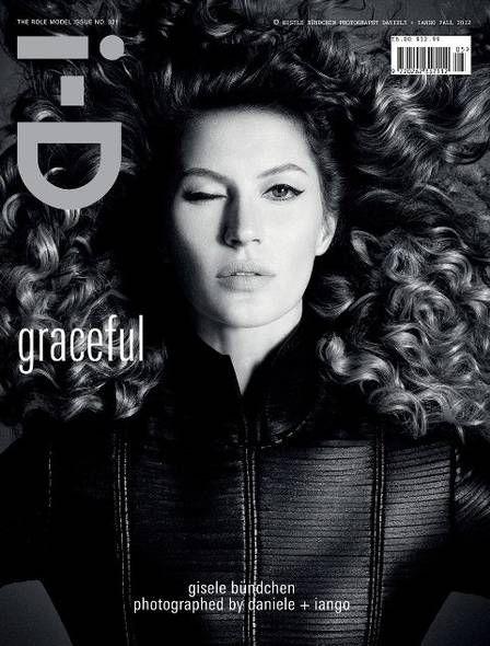 Gisele Bündchen posa com cabelão cacheado para capa de revista