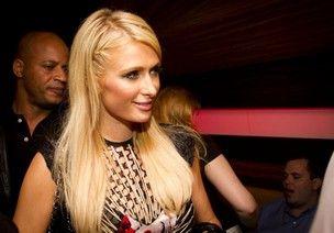 Taxista grava conversa homofóbica de Paris Hilton e cria polêmica