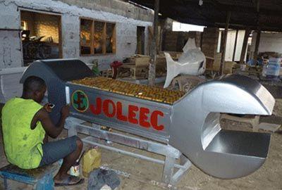Empresa em Gana é especializada em fabricar caixões bizarros