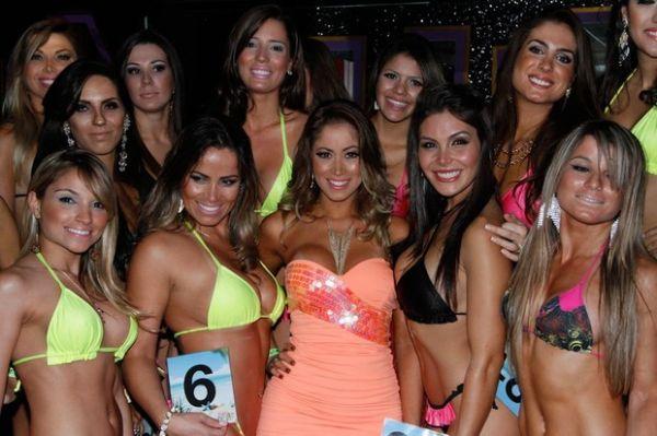 Só musas! Carol Narizinho e ex-BBBs são jurados em concurso de beleza
