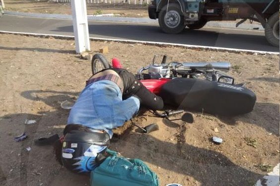 Motociclista sofre grave acidente na BR-230 em Floriano