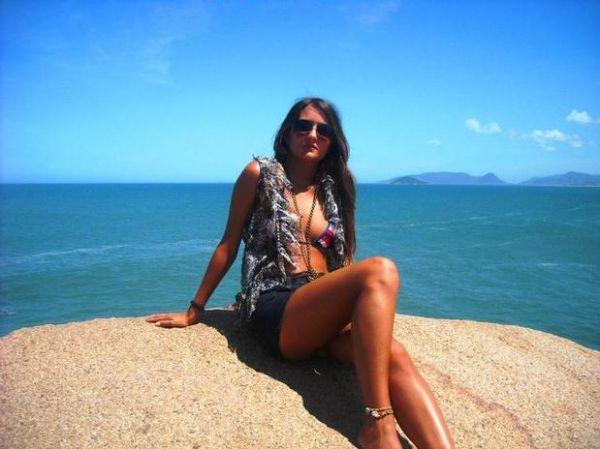 Após leilão de virgindade em site, 1ª vez de estudante brasileira será sem camisinha