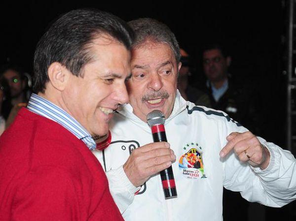 Lula participa de comício em São Bernardo e enaltece prefeito