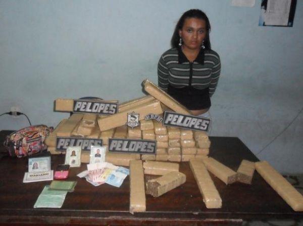 Mulher é presa com 40 kg de maconha em Alagoas