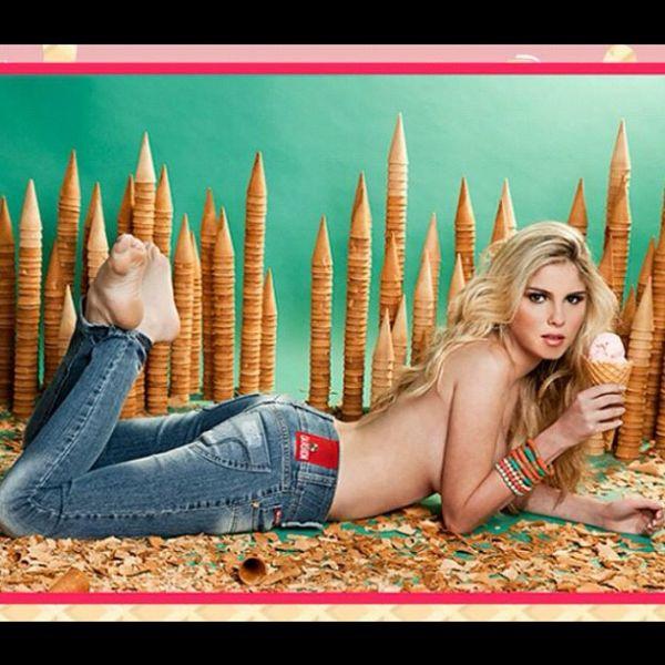 Bárbara Evans faz topless para campanha de calça jeans