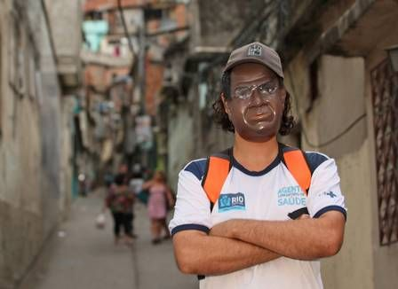 Joaquim Barbosa é pop! Relator do mensalão vira máscara de carnaval