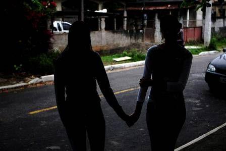Jovens são presos por estuprar duas adolescentes