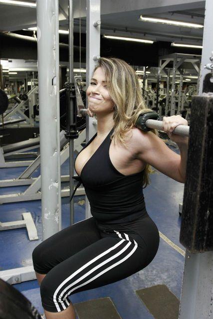 Ex-BBB Fani Pacheco se prepara para Jungle Fight 43