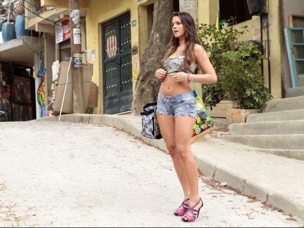 Para viver funkeira, Bruna Marquezine promete