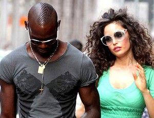Balotelli reata com a ex grávida, mas ainda não sabe se é pai da criança