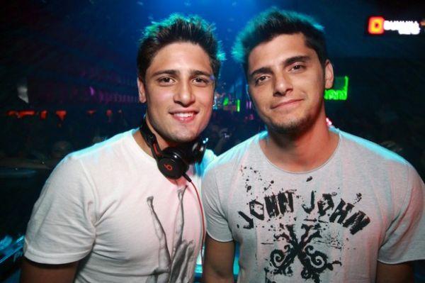 Bruno Gissoni e Daniel Rocha animam a noite em boate de Goiânia