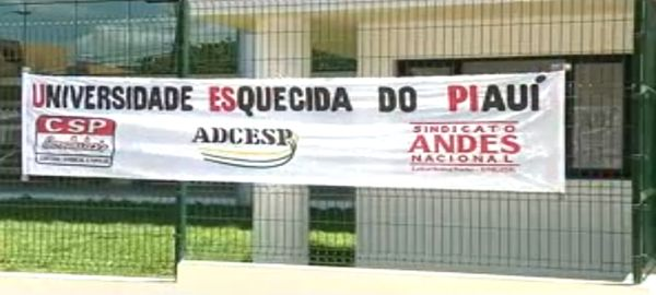 Professores da UESPI tentam negociação com o Tribunal de Justiça