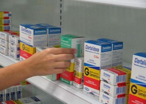 Remédios genéricos estão até mais caros que convencionais na capital
