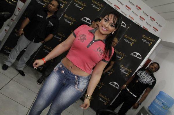Após embate de bumbuns, Solange Gomes afirma: ?O da Melancia é maior?