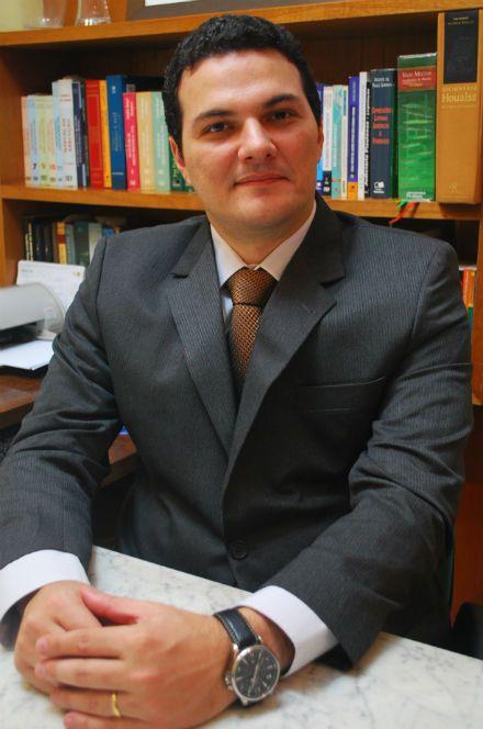 Candidato à presidência da OAB-PI critica escolha de data da eleição