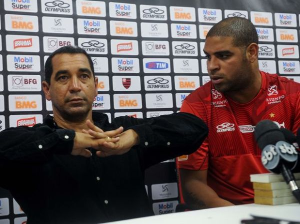 Zinho oferece psicólogo a Adriano, mas alerta: