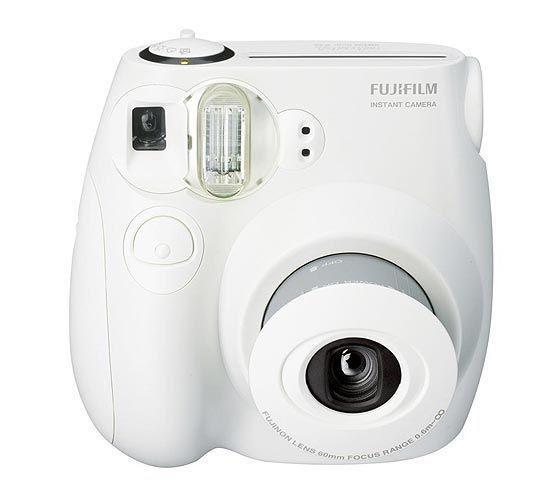 Câmera de fotografia instantânea da Fuji (R$ 349) faz fotos ruins, mas é divertida