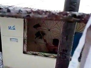 Filmada agredindo cães na Bahia é condenada  e terá que pagar multa