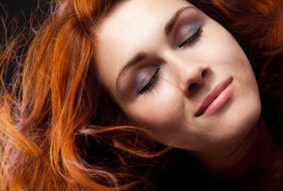 Cor vibrante por mais tempo: especialistas dão dicas de como prolongar a tintura dos cabelos