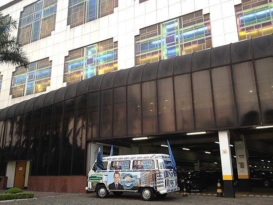 Celso Russomanno usa estrutura da Universal na campanha em S.Paulo