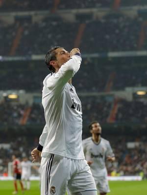 Após três gols, Cristiano Ronaldo pede fim de vaia contra Mourinho