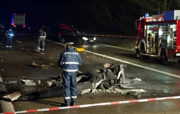 Queda de helicóptero em rodovia mata piloto na Alemanha