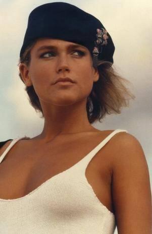 Xuxa divulga fotos de seu trabalho como modelo nos anos 80