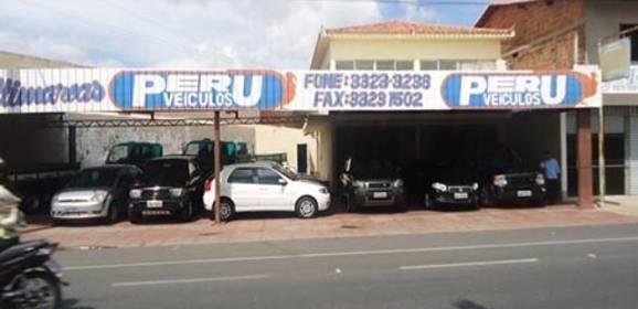 Dupla invade revendedora de veículos e faz refém em Parnaíba