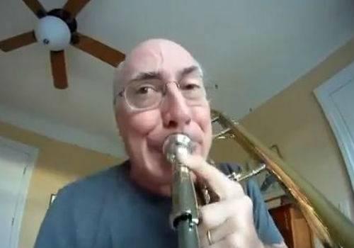 Músico faz vídeo com GoPro acoplada em trombone e vira hit no YouTube