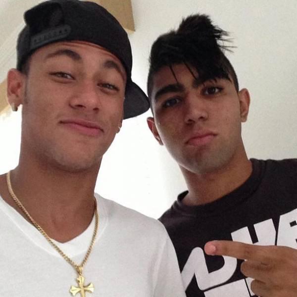 Neymar tira onda da nova promessa do Santos e já cria apelido