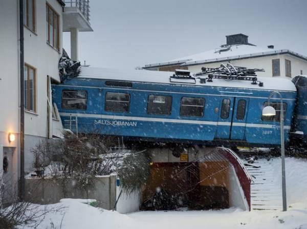 Mulher rouba trem e colide contra prédio em Estocolmo