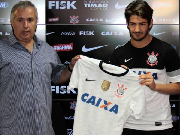 Corinthians é segundo clube que mais gastou em transferências no mundo