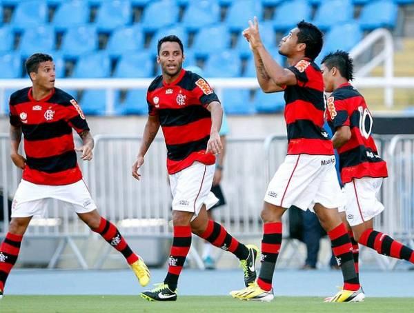 Substituto de Love faz dois gols na vitória do Flamengo sobre o Quissamã