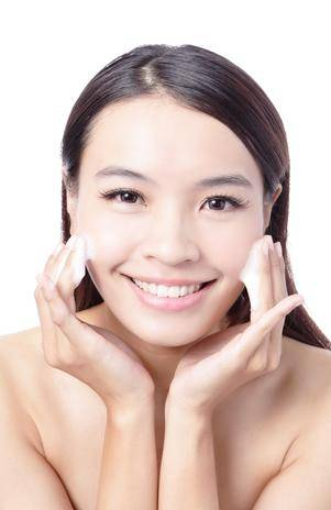 Aprenda cinco soluções rápidas de cuidado diário com a pele