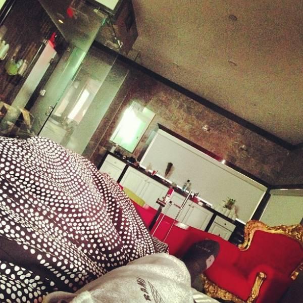 Rihanna e Chris Brown passam réveillon na cama