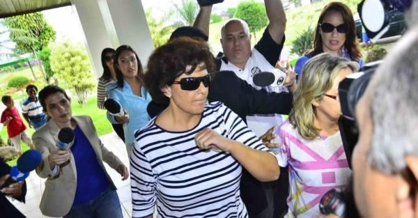 Clara Becker ex- de Dirceu , filha de Walmor Chagas sobre petista,