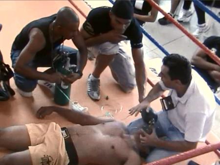 Adolescente de 15 anos morre durante treino de muay thai