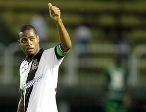 Corinthians aumenta pressão por Dedé; Vasco promete resistir
