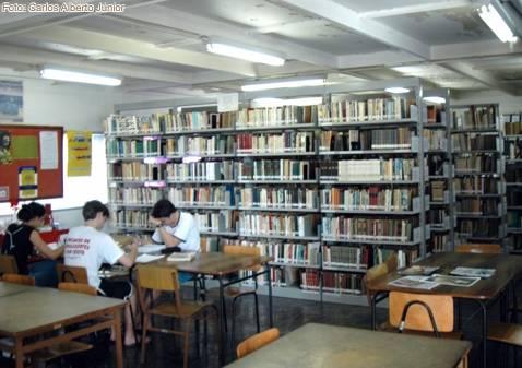 Em 72,5% das escolas brasileiras não há biblioteca